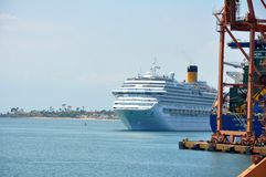 Порт туристического судна входя в Сальвадора Стоковое Изображение