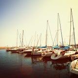 Порт, шлюпки и море Крита стоковое фото