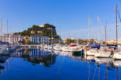 Порт Denia с провинцией Испанией Аликанте холма замка Стоковое фото RF