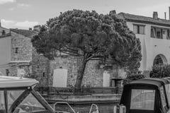 Порт Grimaud, яхты и архитектура Стоковые Изображения