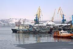 порт murmansk стоковое фото