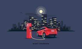 Поручать ночи Suv электрического автомобиля непиковый на станции заряжателя Стоковые Фотографии RF