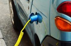 Поручать электрического автомобиля стоковое фото rf