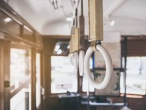Поручни на транспорте стиля года сбора винограда трамвая стоковое фото