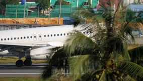 Посадка аэробуса A320 видеоматериал