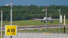 Посадка Germanwings аэробуса 319 сток-видео