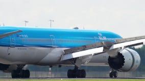 Посадка KLM Dreamliner видеоматериал