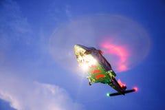 Посадка автостоянки вертолета на оффшорном экипаже платформы, перехода вертолета или пассажире к работе в оффшорной нефтяной пром Стоковая Фотография RF