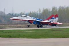 посадка mig 29 самолет-истребителей Стоковая Фотография