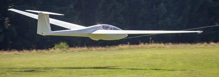 Посадка Sailplane на авиаполе Стоковое фото RF