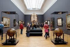 Посетители в Rijksmuseum Стоковая Фотография
