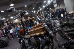 Посетители на выставке мотоцикла Берлина, феврале 2018 Стоковое Изображение RF