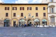 Посетители приближают к дверям Dell Оперы del Duomo Museo Стоковые Фотографии RF