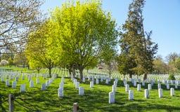 Посещающ кладбище Арлингтона в Вашингтоне - ВАШИНГТОНЕ, ОКРУГЕ КОЛУМБИЯ - 8-ое апреля 2017 стоковые изображения