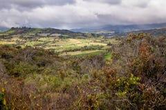 Посещая озеро Guatavita, Колумбия стоковые изображения