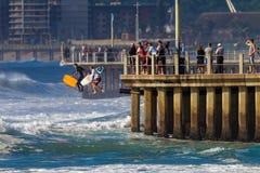 Поскачите волны зоны большие   стоковое изображение