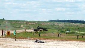 Поскачите танки T-72 видеоматериал