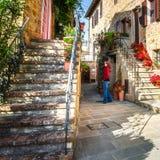 После полудня Тосканы лета сцены Monticchiello стоковые фотографии rf