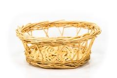 Посмейте древесина Weave корзины для фруктов и овощей помещенных на белой предпосылке Стоковая Фотография