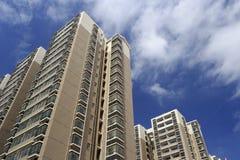 Посмотрите вверх новое indemnificatory снабжение жилищем для малообеспеченных людей Стоковая Фотография RF