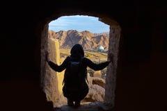 Посмотрите вне через окно замка Стоковые Изображения RF