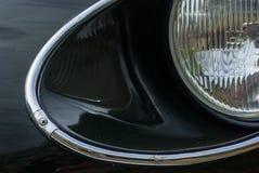 Посмотрите bonnet и фары с кольцом хрома oldtimer Ja Стоковое Фото