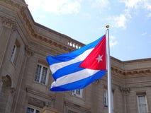 Посольство Кубы и флага стоковые изображения