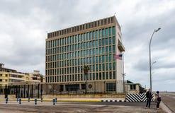 Посольство Соединенных Штатов в Гаване, Кубе стоковая фотография rf
