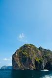 поставленное на якорь большое phu Таиланд ket катамарана Стоковые Фотографии RF