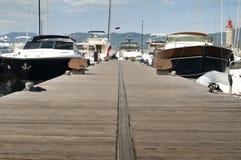 Поставленные на якорь яхты в St. Tropez стоковая фотография