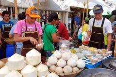 поставщики рынка льда сливк кокоса chatuchak стоковая фотография