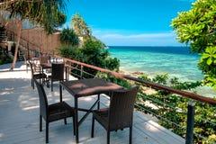 Поставьте вид на море на обсуждение обедающего в острове Lipe, Таиланде Стоковое Фото