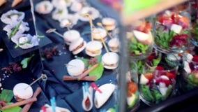 Поставлять еду для партии сток-видео