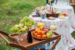 Поставлять еду для wedding Таблица десерта Стоковые Изображения