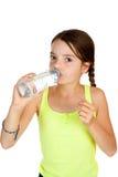 постаретая выпивая вода девушки минеральная основная Стоковое фото RF