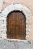 Постаретая деревянная двойная дверь Стоковая Фотография RF
