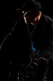 постаретая ноча середины человека bike Стоковая Фотография