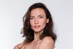 постаретая средняя женщина портрета стоковое изображение rf