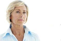 постаретая средняя женщина стоковая фотография rf
