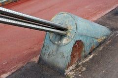 Постаретый металл заржавел поддержка для подвеса Стоковые Изображения
