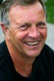 постаретый усмехаться человека средний Стоковые Фотографии RF
