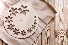Постепенные инструкции для изготовления часов handmade Стоковая Фотография RF
