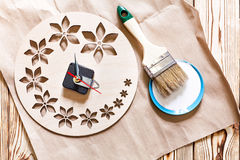 Постепенные инструкции для изготовления часов handmade Стоковое Фото