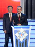 Постоянный член Совета Безопасности Российской Федерации Sergey Ivanov и космонавта Sergey Ryazanskiy испытания на cerem Стоковое Фото