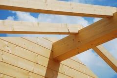 построенная лучем древесина дома нутряная главная частично Стоковые Изображения RF