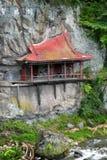 построенная святыня утеса стороны японская Стоковые Фотографии RF