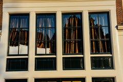 1850 1890 построенных зданием окон фасада Очаровательный городок в Германии Li Стоковая Фотография RF