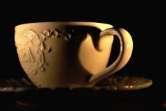 Послеполуденный чай светом горящей свечи стоковое фото
