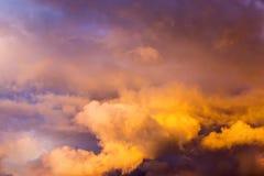Послесвечение облачного неба вечера Стоковое Фото