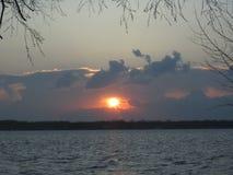 После захода солнца шторма падения над островом Мичиганом Grosse Стоковое Фото